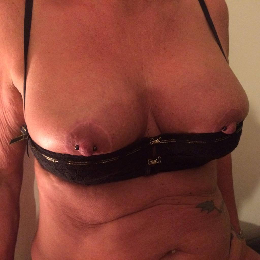 Mature floppy tits pgif