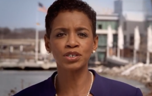 Democrat Donna Edwards  wealth 'unevenly spread' VIDEO