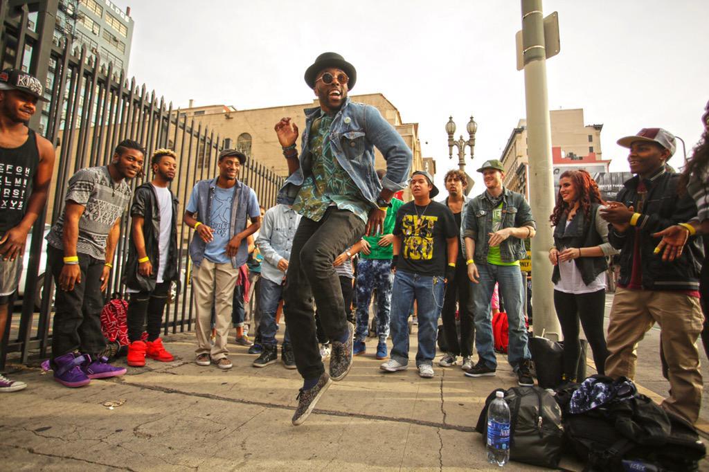 RT @DANCEonFOX: Stop! Drop! And DANCE! Happy #InternationalDanceDay! How will you celebrate? #sytycd http://t.co/8OKZqPAI6W