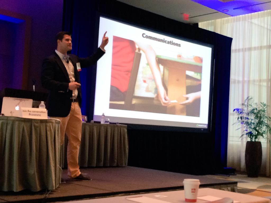 What's a fundraiser's protocol for interacting with alums who have raised their hands? @brentgrinna at #casesmc http://t.co/FQXErTAeiA