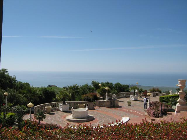 @CornerBakery 7) Hearst Castle.  Easily one of the best days of my life. #cravechat http://t.co/EuBigejhp3