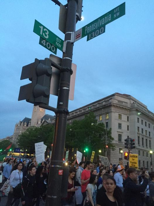 At corner of 13th & Penn 3 blocks from White House.protest in DC for  #Freddiegray Peaceful. Diverse.Spirited.@CNN http://t.co/EA1agyH95C