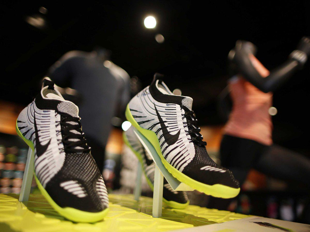 Nike is facing harsh criticism for offering a 30% discount to police officers http://t.co/4RZYsXLO8C http://t.co/cnKm7qq9Mk