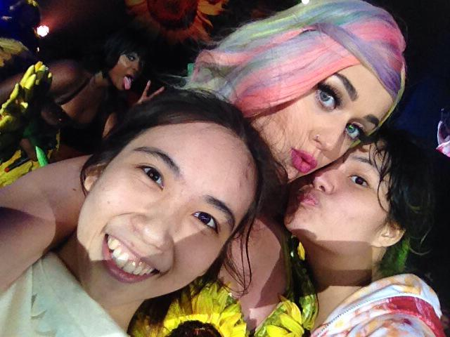 Katy Perry >> The Prismatic World Tour - Página 3 CE-6DbbUgAEVJ7D