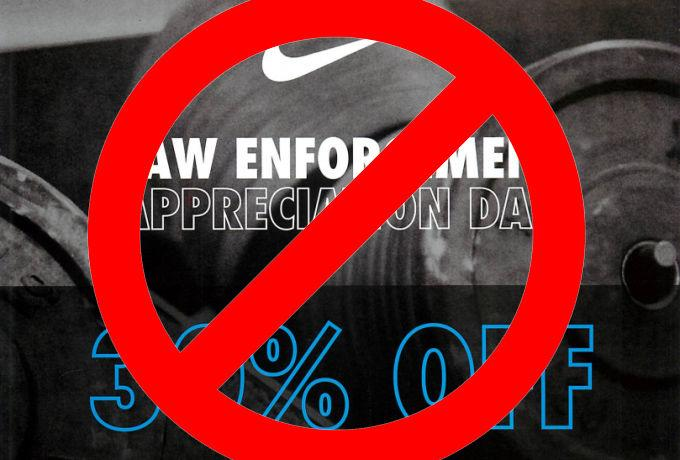 The Internet is pissed that Nike gave a discount to police http://t.co/zmUJ5AbdI5 http://t.co/TXvQrcKAwR