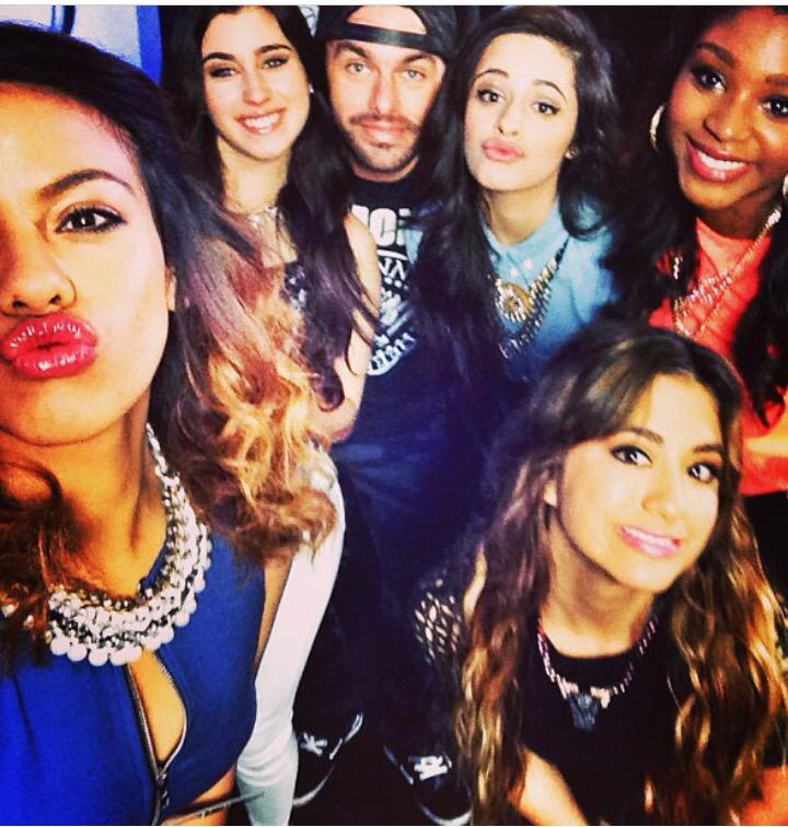 With the lovely ladies of @fifthharmony - happy to see #worthit blowing up! #tbt #music #harmonizers http://t.co/WZtKmyvbSR