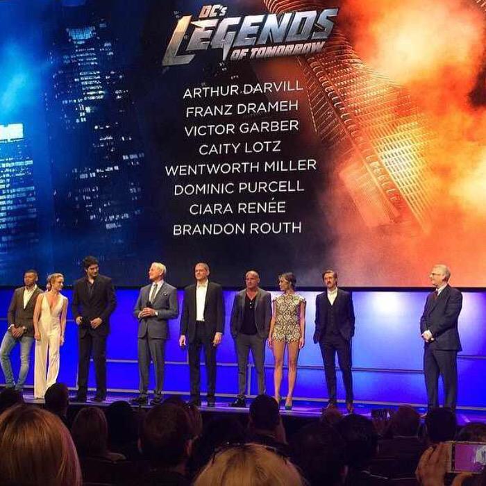 [TV] DC's Legends of Tomorrow - Hawkman e Vandal Savage escolhidos! CE-r-8gUgAE6IhB