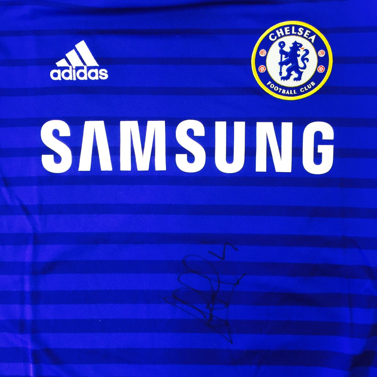 Win a @ChelseaFC home shirt signed by @cesc4official Follow us and RT to enter. http://t.co/nz5GPWwKZ2