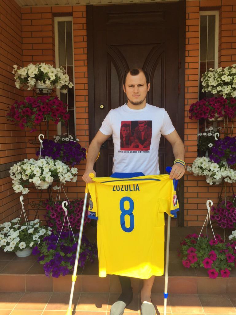 Роман Зозуля организовал благотворительный аукцион - изображение 1