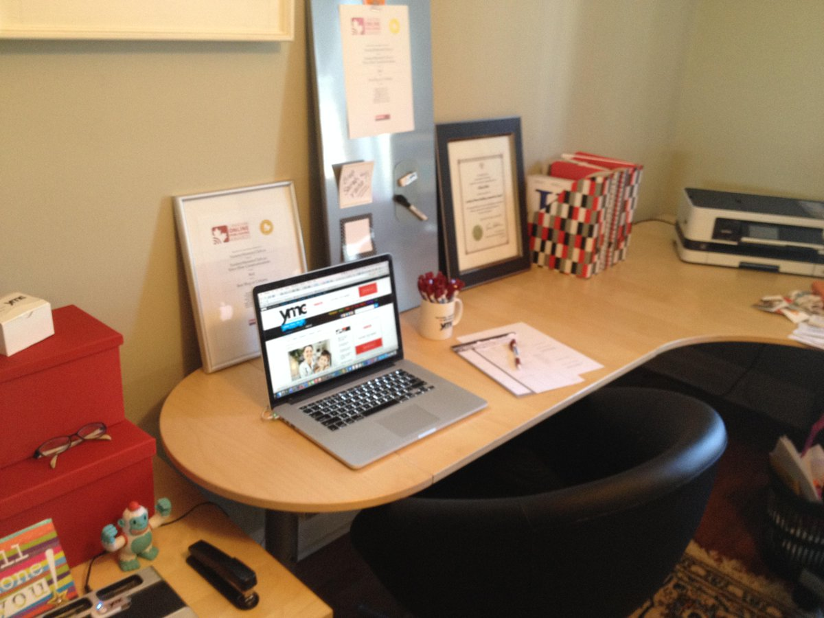 So nice! RT @YummyMummyClub: Q2 Look how much better desk looks. @ElmersCanada products are smart  #ProjectFreestyle http://t.co/S4MqHpXyBs