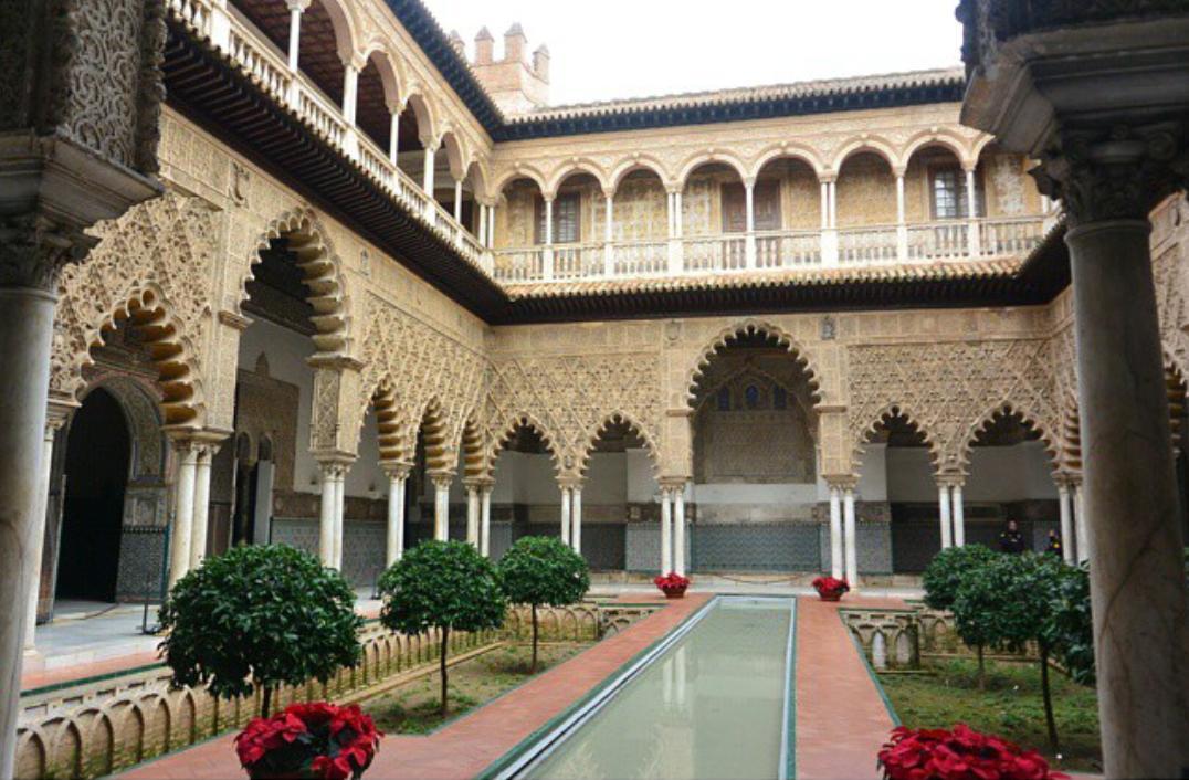 """الموريسكي on Twitter: """"يعد قصر إشبيلية ثاني أجمل قصور #الأندلس بعد القصر  الناصري في غرناطة http://t.co/mG6Nlpe1AI"""""""