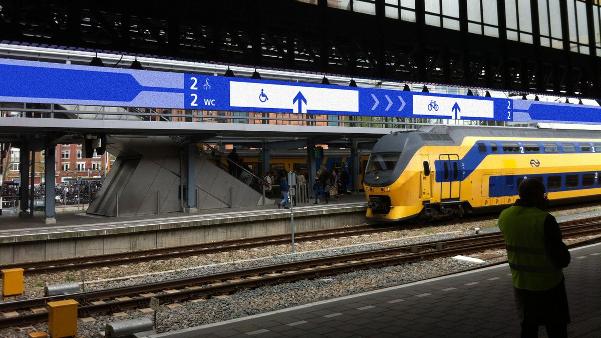 Be prepared: NS will start a new pilot in Den Bosch with a 350m-long LED display showing dynamic boarding information http://t.co/4YhcgvfRye