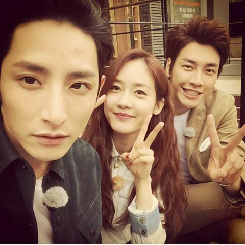 (m) au choix - kim young kwang  CE4fcBvUEAAXb_Q