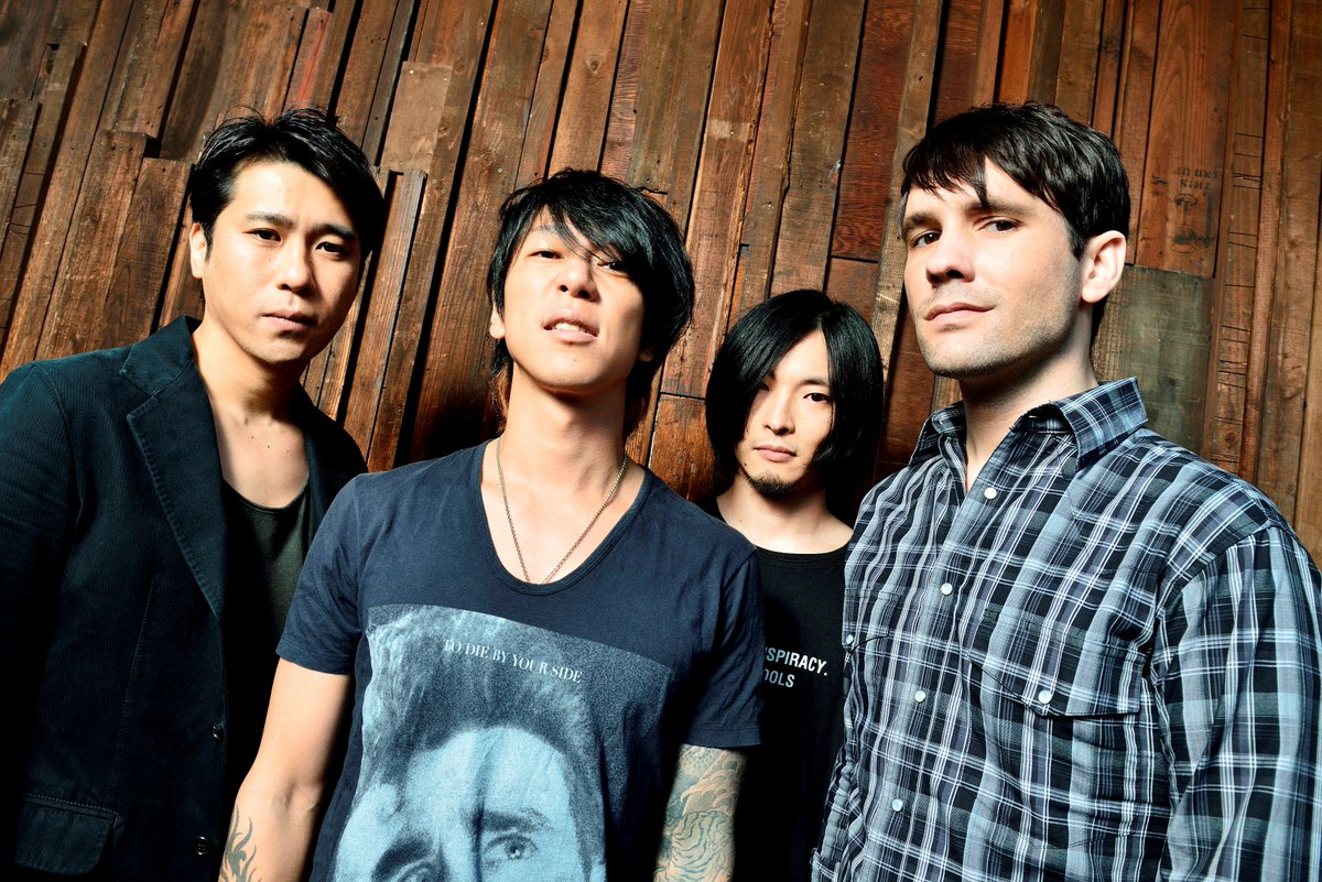 """細美武士(the HIATUS)が新バンド""""MONOEYES""""始動!6/24に1st EP『My Instant Song E.P.』リリース決定! http://t.co/XyQKHF4Rai http://t.co/uqEXOCbw89"""