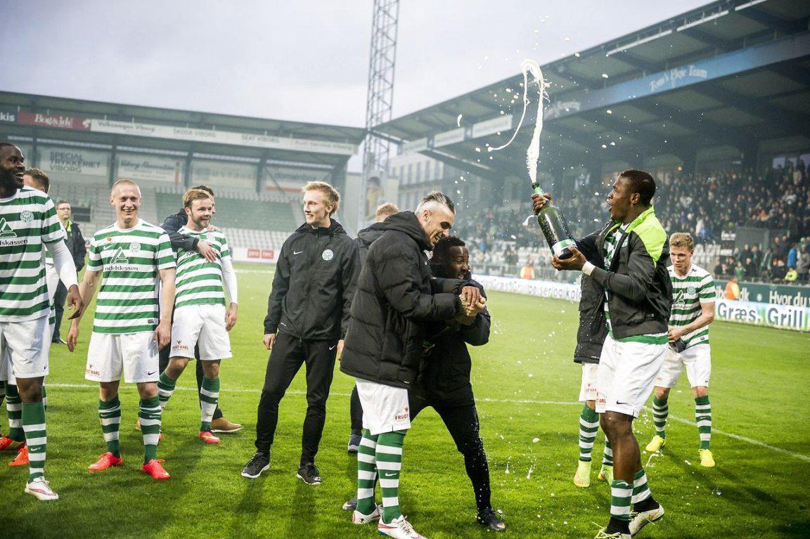 Viborg pop bottles after securing first place