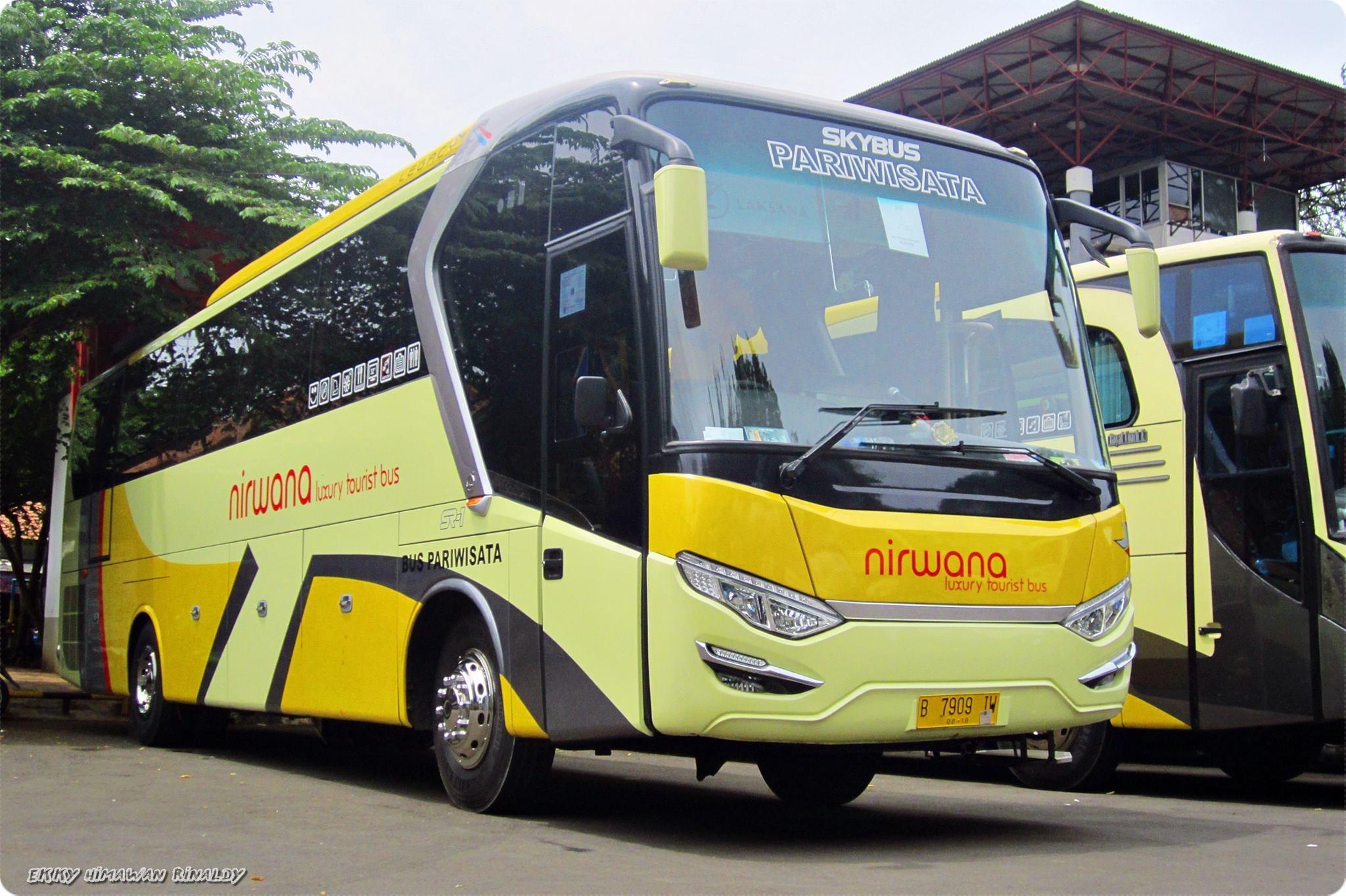 "Foto Bus Indonesia on Twitter: ""PO. Nirwana (New Legacy SR-7) http"