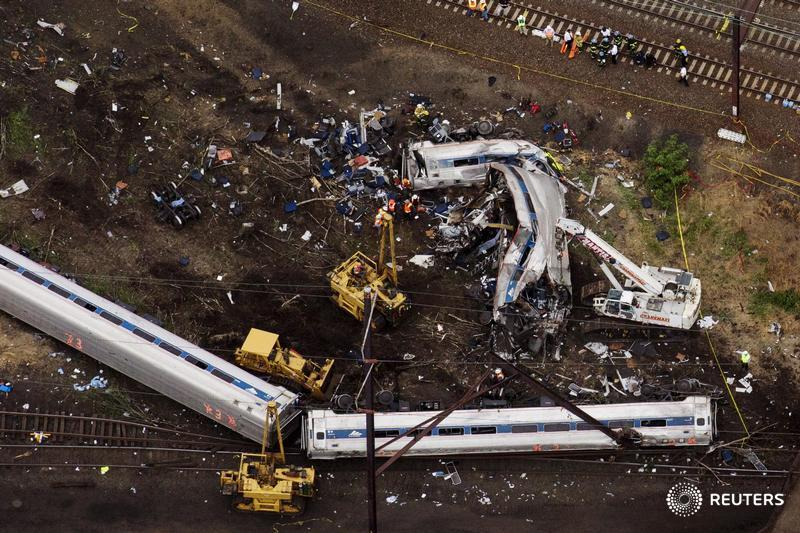 EXCLUSIVE: Derailed #Amtrak train was not fitted with latest U.S. safety controls. reut.rs/1EDjYlS pic.twitter.com/JAEbhpKEBJ