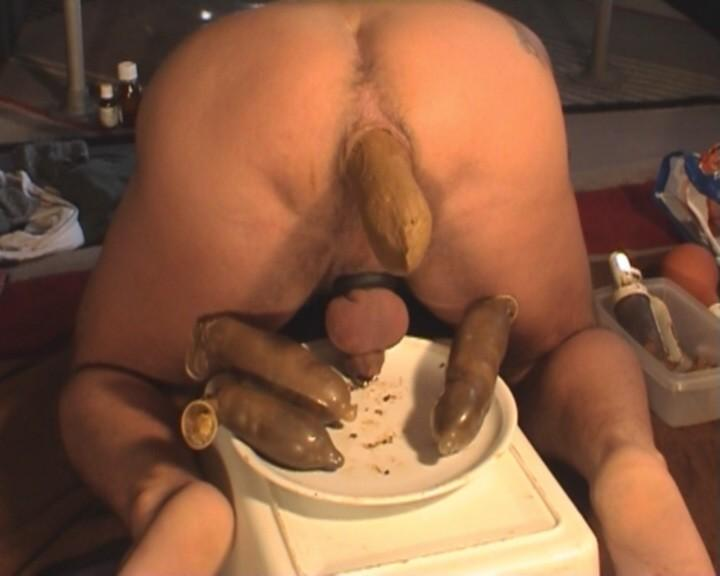 Guy having a shit porn