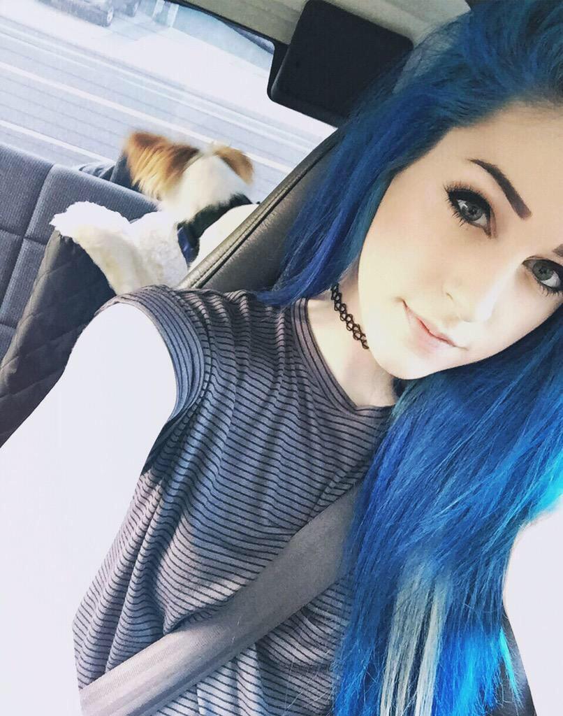 ️ on Twitter: @kati3kat_CB: dis little mermaid is online