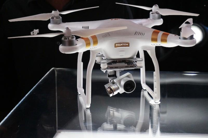 The @DJIGlobal Phantom 3 packs some serious upgrades compared to the previous model! http://t.co/77IILacCJH #drones http://t.co/2iUxkh1Jre