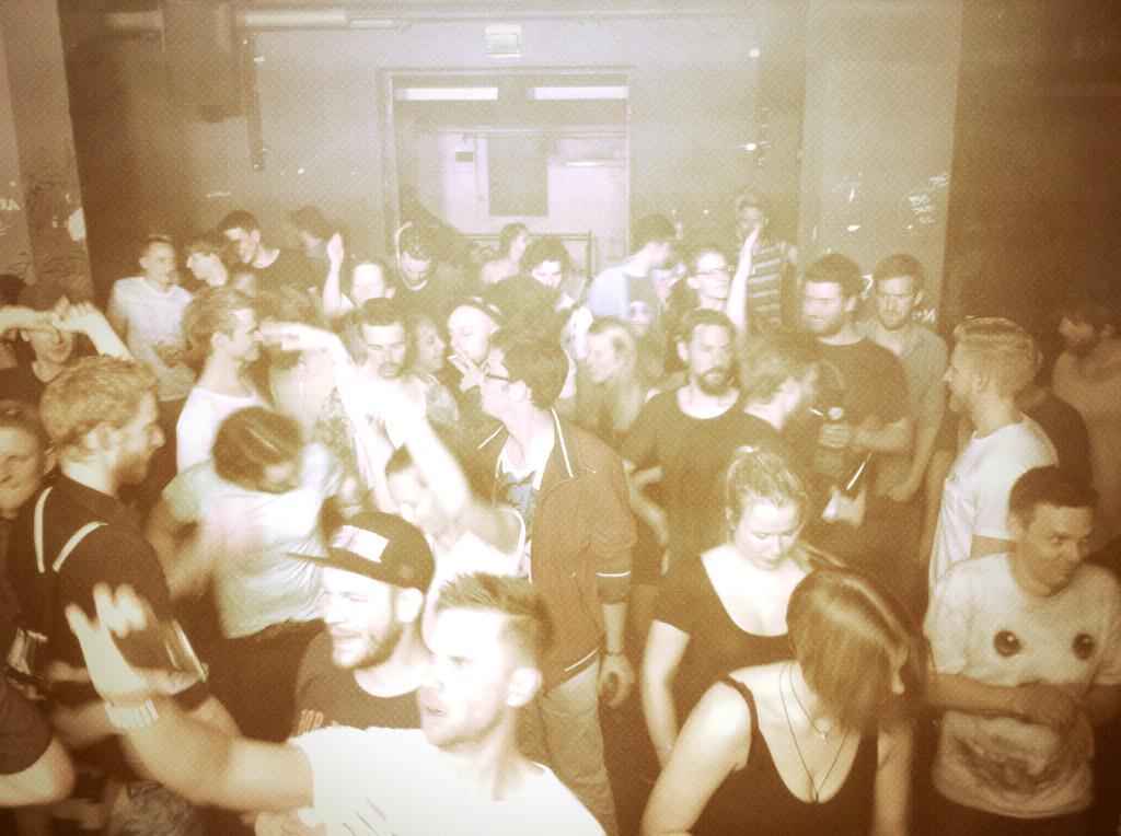 0640 in Munich....@boysnoize @FEADZofficial @piloofficial @yonkerstale http://t.co/0NB39RKoo7