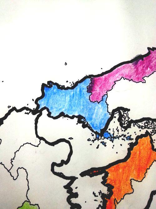 今日は山口県でした!角島のはじけるようなブルーの風景から青色に!!まこちゃんさん、ありがとうございました☆色塗りしてて思ったけど、南側の屋代島や平郡島もや山口なんだなぁ・・・ #33fan #yamaguchi #山口県 http://t.co/3TwZJ7ia4A