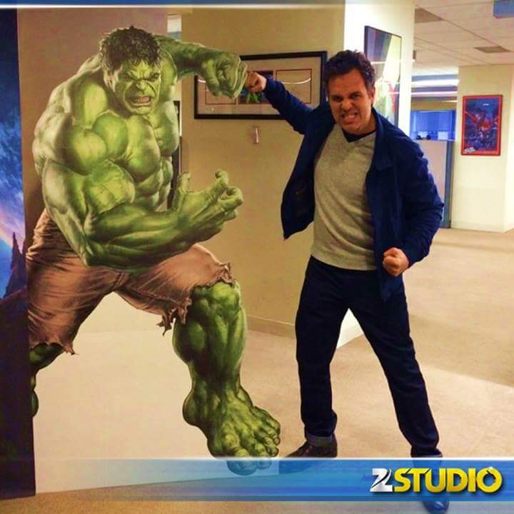 """""""@ZeeStudio: You can be cool but you can't be as cool as @MarkRuffalo fist bumping #Hulk! RT if you agree! http://t.co/Dblavqq5yR"""" Agreed:)"""