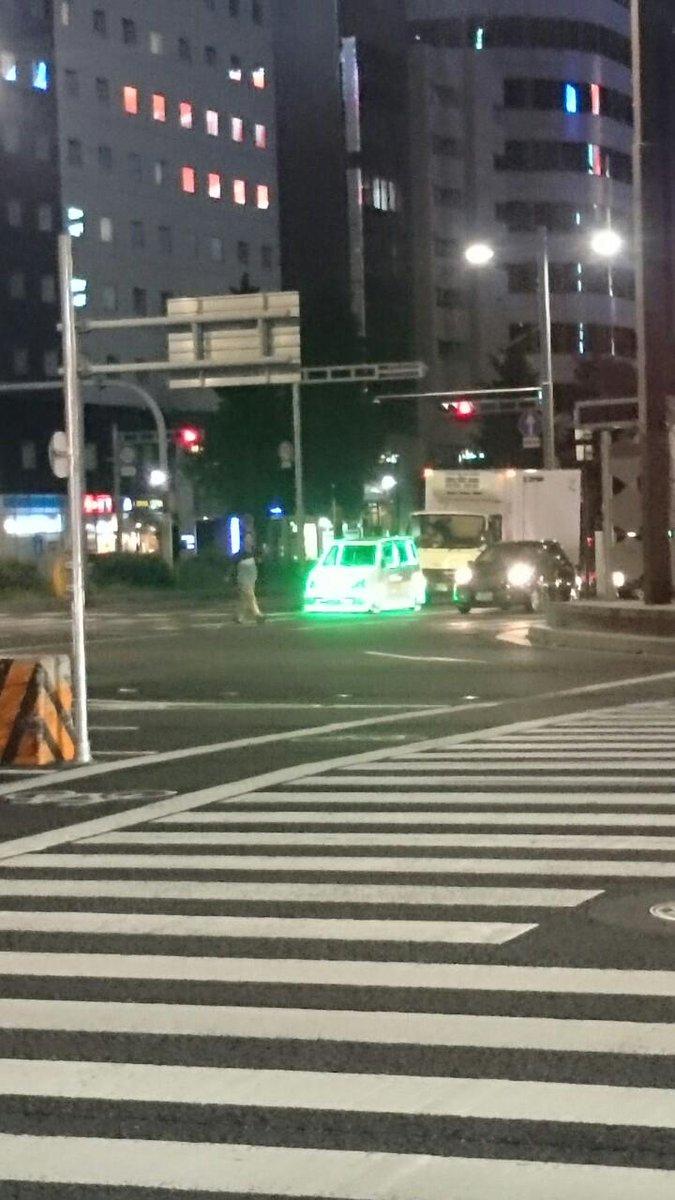 名駅にすげー車がいる pic.twitter.com/rlEyHWN2mP