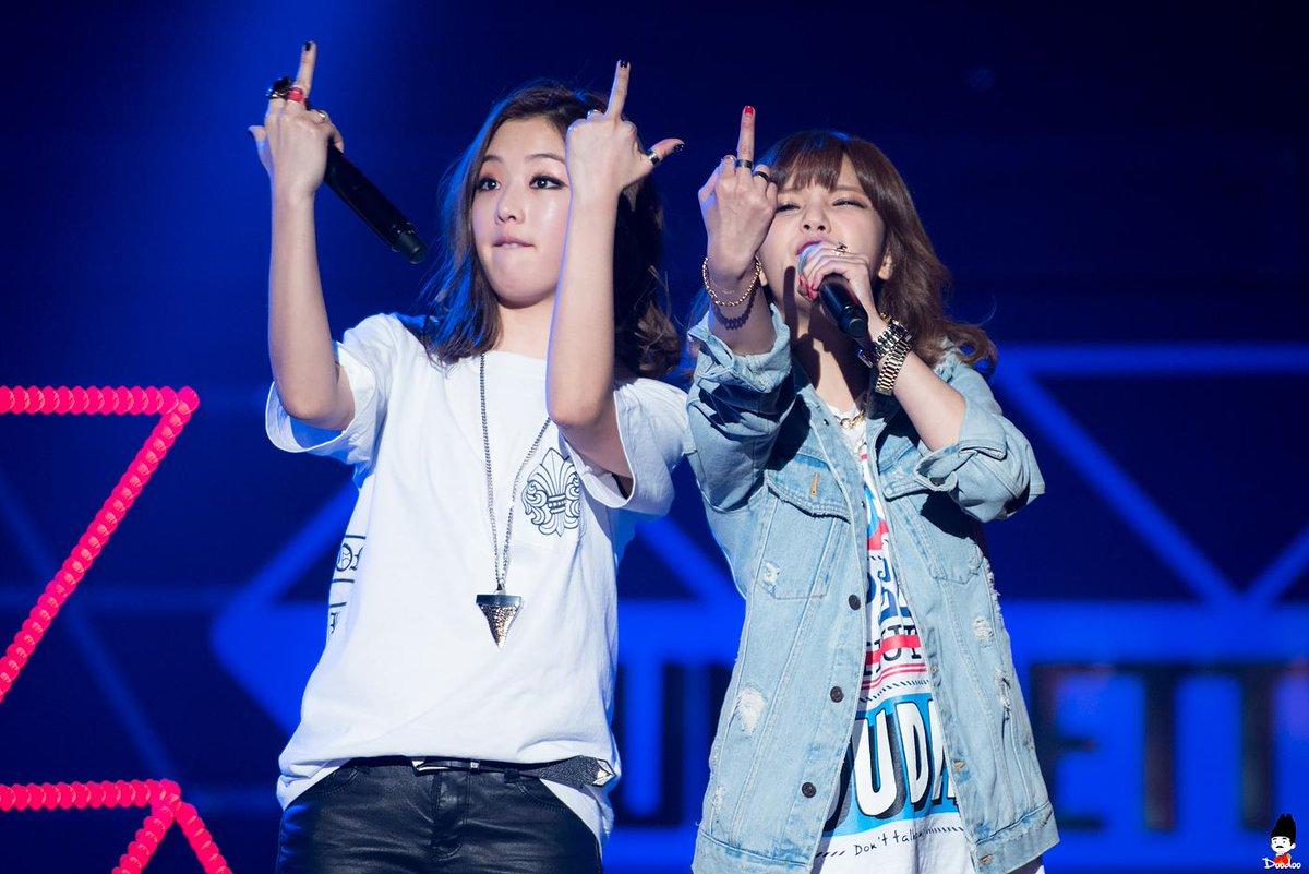 Hoà Minzy lần đầu hát live ca khúc