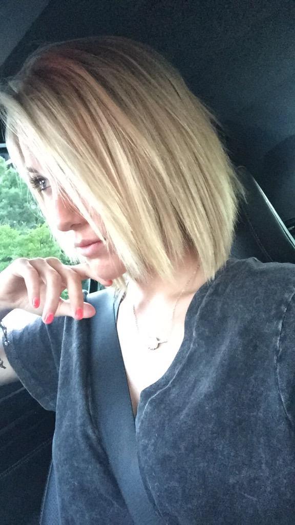 "Savannah Chrisley on Twitter: ""The green hair and dead ..."