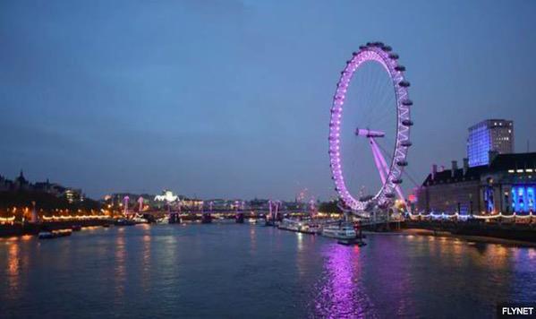 London turns pink to welcome #RoyalBaby #princessofcambridge http://t.co/cO7gjtZxoJ