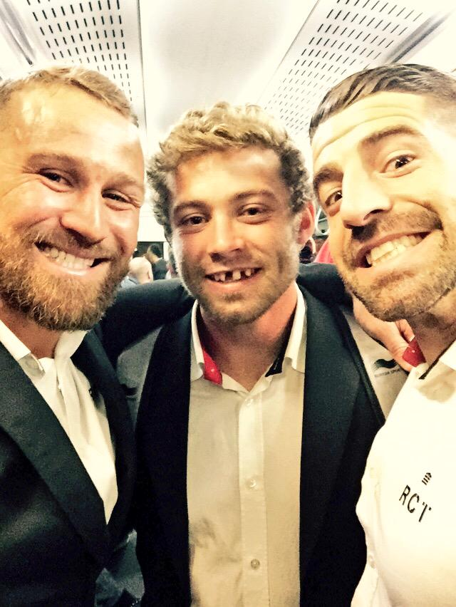 He's given a little extra again @LeighHalfpenny1 for the game.. Now he smiles like a piano