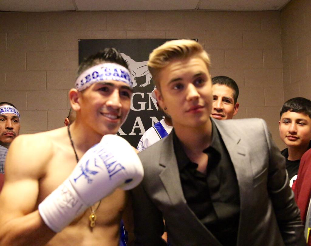 Thanks to @justinbieber for stopping by and wishing me luck! #TeamSantaCruz #MayPac http://t.co/7VbfZxuO6o