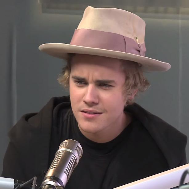 this is the face @justinbieber told me he's gonna make walking mayweather out tonight #stonecold http://t.co/aq6qxeKTQz