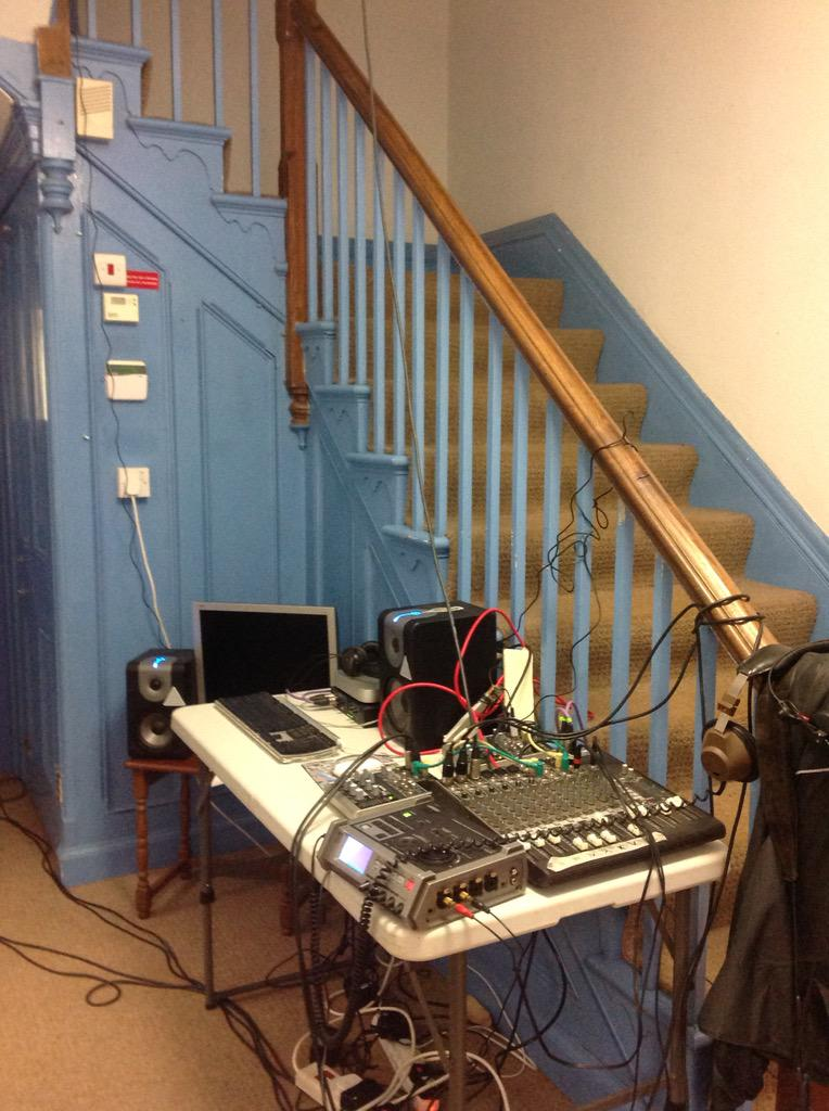 Awake and Streaming the dawn chorus from Barrow in Furness Park: http://t.co/bFA7lLKcK0 #REVEIL http://t.co/P3lcI7Yblp
