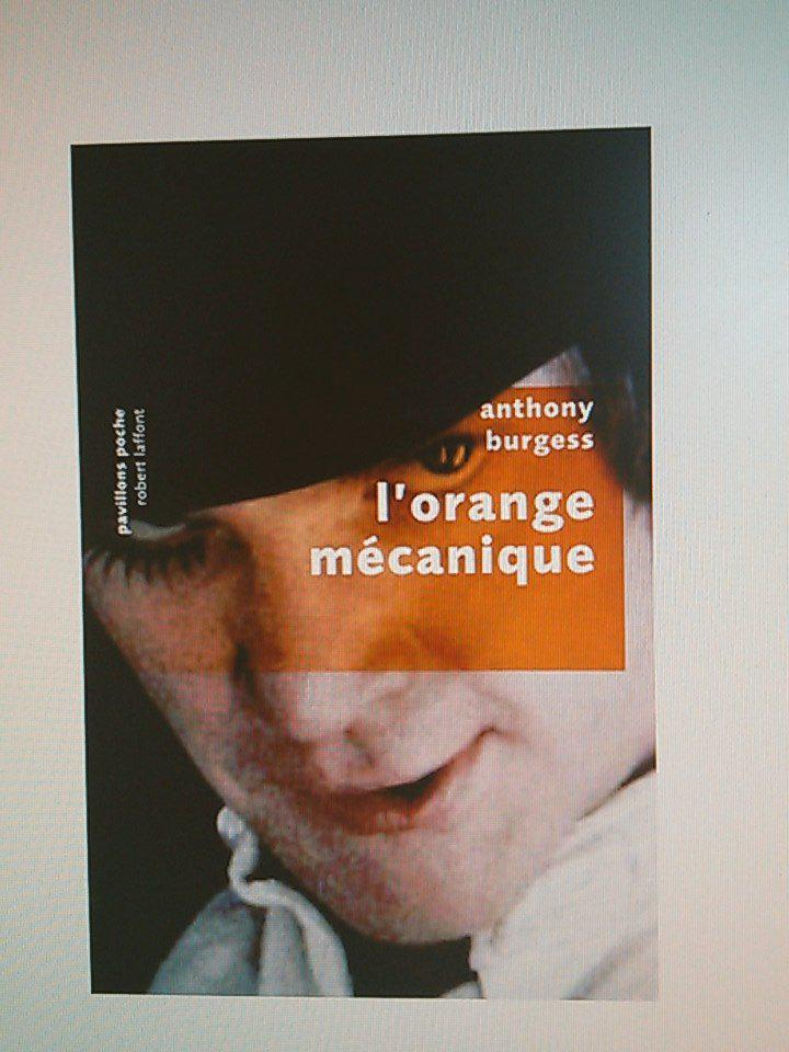 Demain sur @SU_PlayTheBooks on slouche du Beethoven en drinkant un verre de moloko. #Orangemecanique #AnthonyBurgess