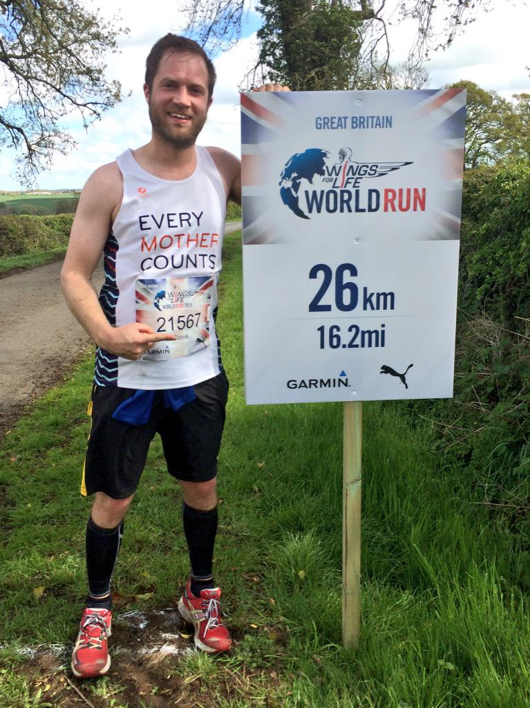 """RT @biggsy321: Just made the @WFLWorldRun 26km marker for @everymomcounts before @therealdcf1 caught me in his """"chaser"""" car! :) http://t.co…"""