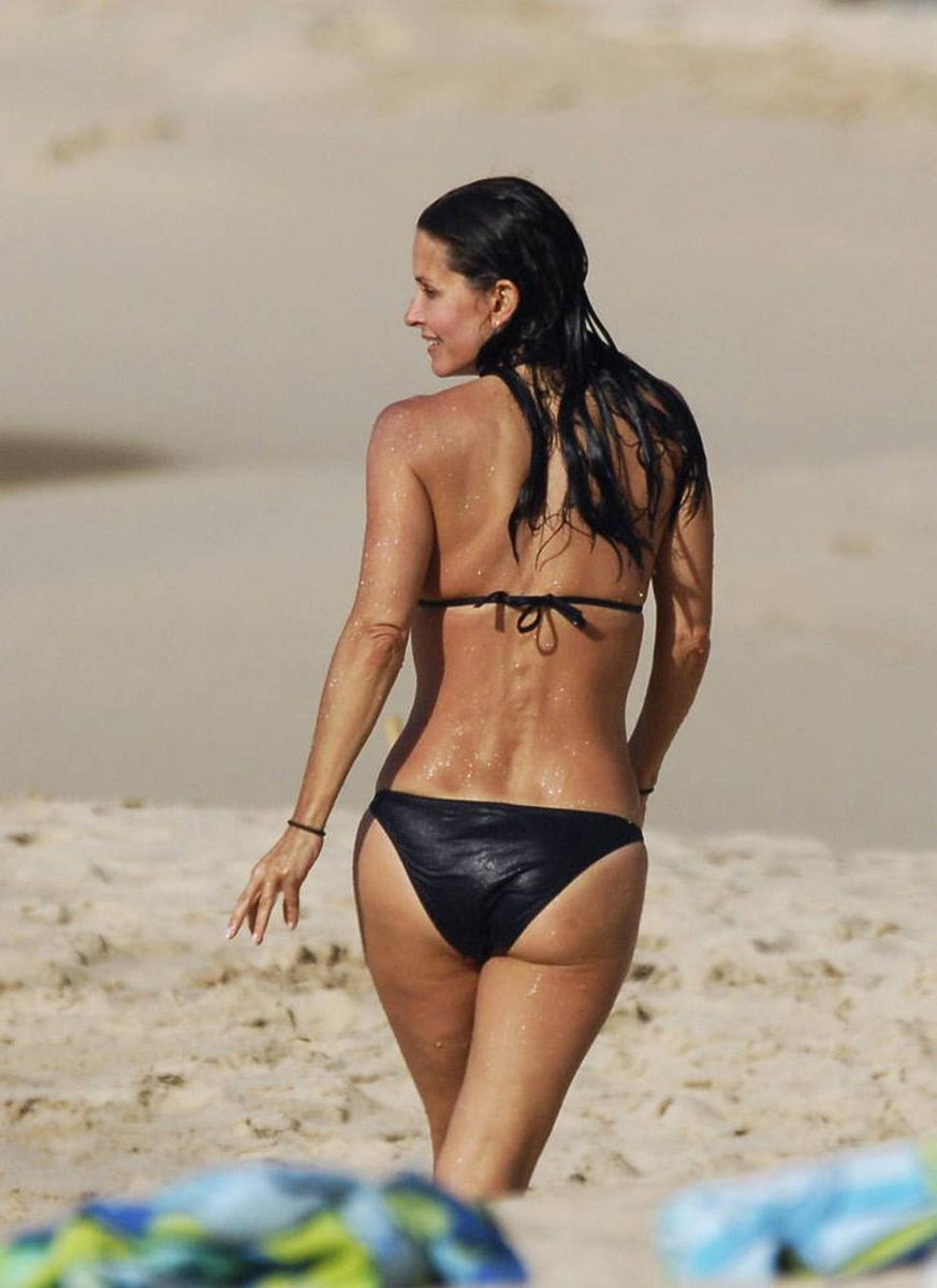 Six steps to courteney cox's bikini body