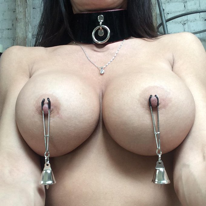 #JingleBells #NippleClamps ?? #SetLife ? #Bondage http://t.co/XxMinus7bk
