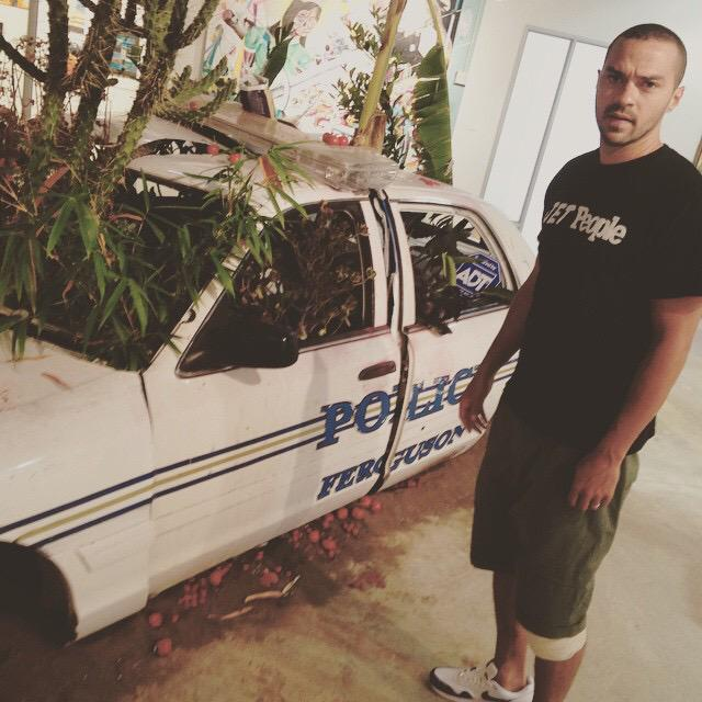 RT @sonsandbros: Shout out to @iJesseWilliams for stopping by @ManifestExhibit today! If you are in LA make sure you stop by! http://t.co/m…