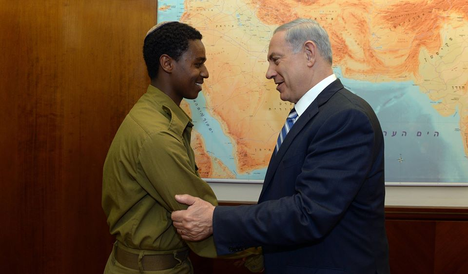 """אמרתי היום לחייל דמאס פיקדה: """"הזדעזעתי מהתמונות. אנחנו לא יכולים לקבל את זה ונשנה את הדברים"""". http://t.co/PMNxOnLSp3"""