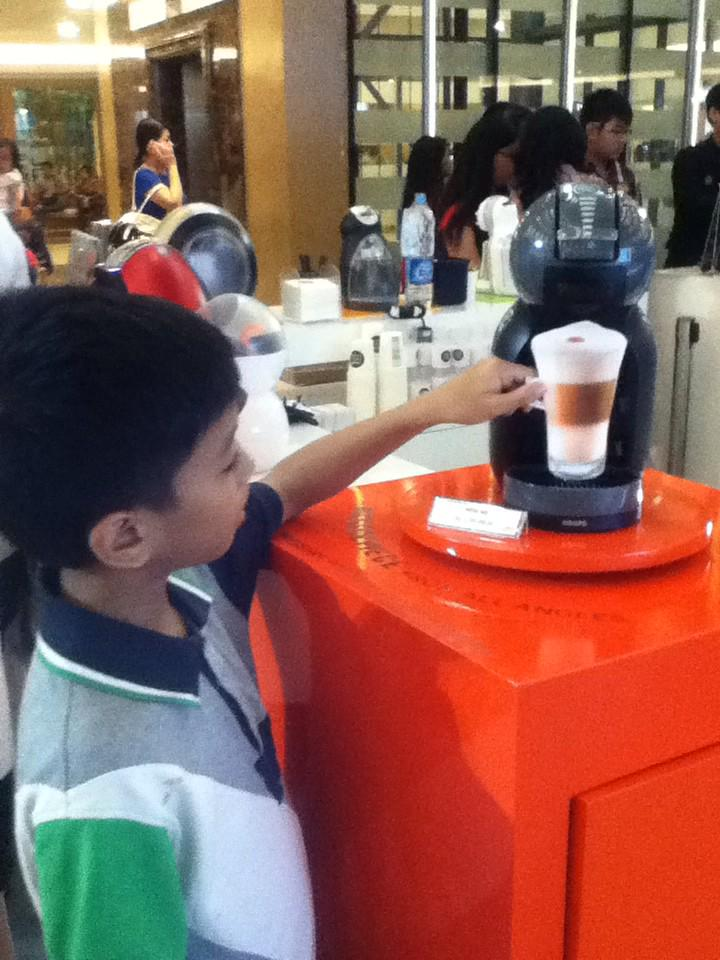 My lil brother said he'll make a cup of coffee every morning if we hv @dolcegustoid minime at home #myqualityminutes http://t.co/qokdrAUhnX
