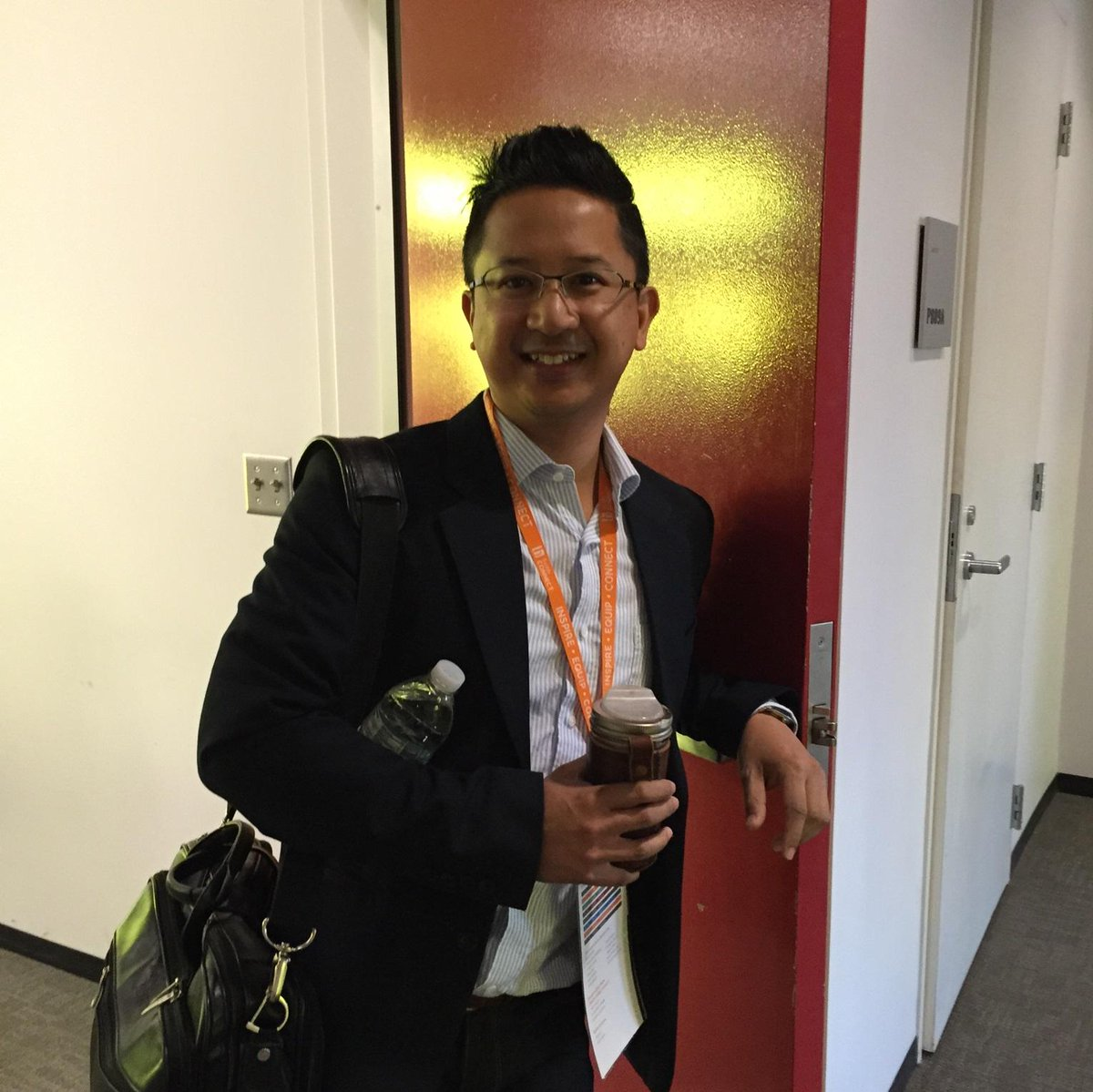 Happening Now at #bushCON: Mu's Randy Reyes shares his story of successes and challenges in Asian American theater. http://t.co/EY6qWEqNrx