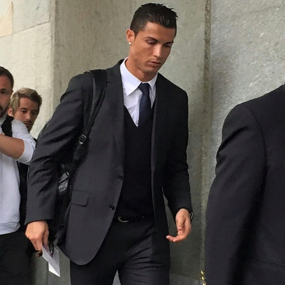 Cristiano in Turin #halamadrid #cr7 http://t.co/2pENhCUx92