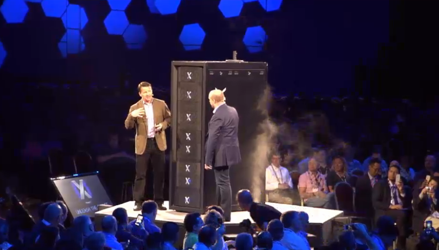 .@jburton and .@guychurchward release the beast - Stack 8 x 40Tb bricks = 320Tb x 6 = 1,920Tb #XtremIO #EMCWorld http://t.co/GgR2hRTiMv