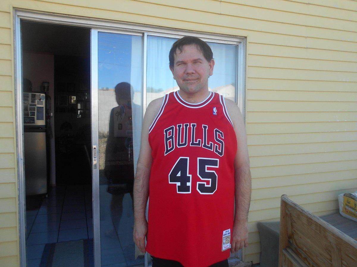 LA JARAMILLO1 My jersey tonight  GoBulls! Beat the Cavs! Thanx   mitchell ness I love it!  MJ45  ImBackpic.twitter.com fysdsZMpdQ 34bddd57c