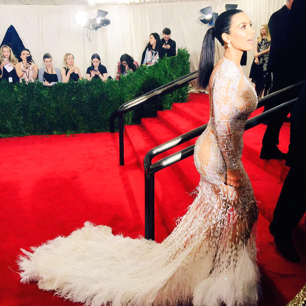 Killin' it, @KimKardashian. #MetGala http://t.co/YizfZaD3RN