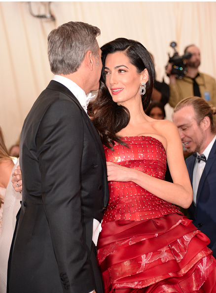 George Clooney at the Met Gala 4th May 2015 CEM5CxBUsAA7Cg6