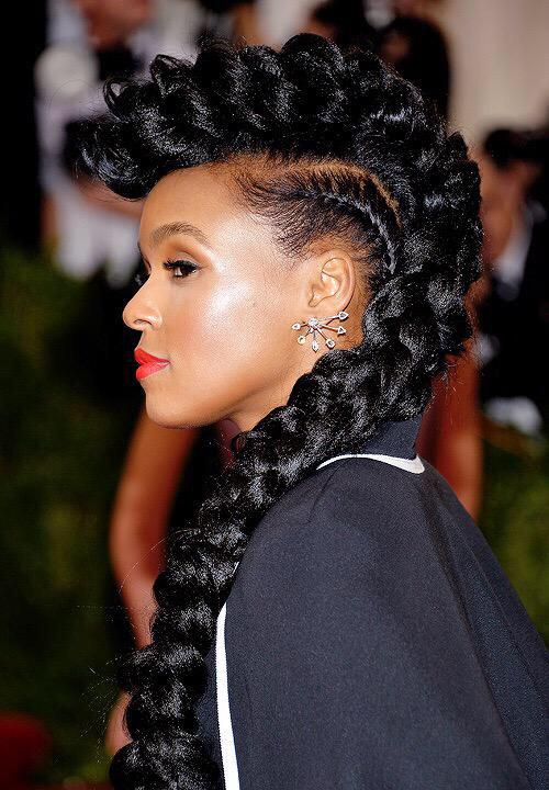 Ok one, one more post. LOL. Janelle has the best hairdo of the night tho. Like look at this perfection. http://t.co/LVO6hcGAkW