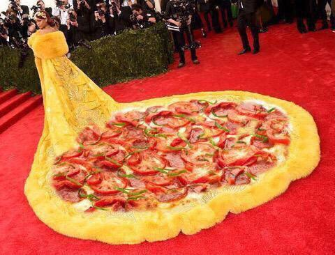 My fave pic of @rihanna dress off of the Internet at the Met Ball http://t.co/toM40pX48I